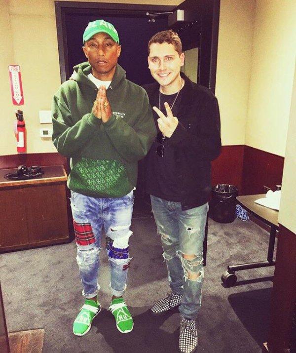 Pharrell en studio avec ... - 25 juillet 2016