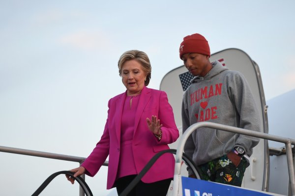Pharrell - Rally avec Hillary Clinton - Raleigh, Caroline du Nord - 3 novembre 2016