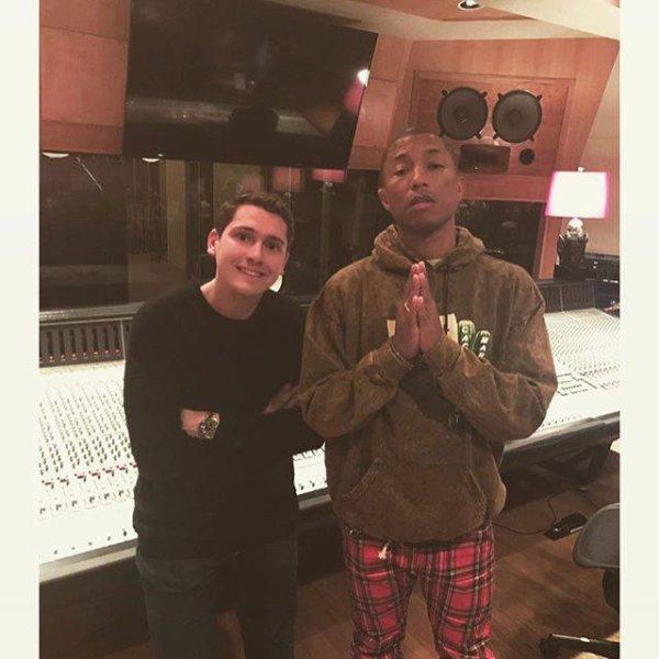 Pharrell en studio avec ... - 4 novembre 2016
