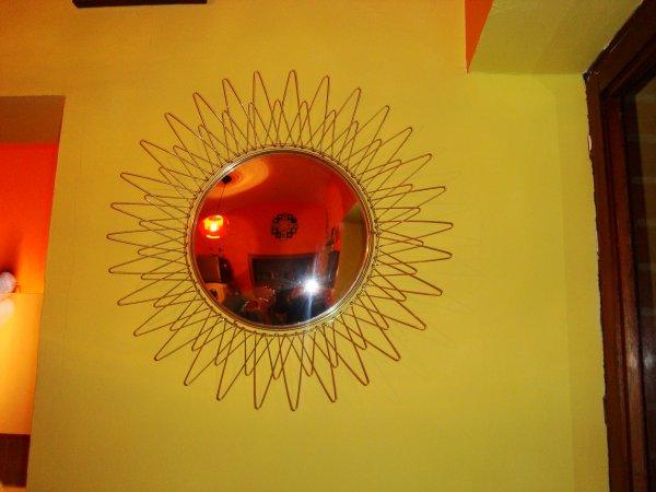 Miroir soleil ann e 70 vendre d jixc for Miroir annee 70