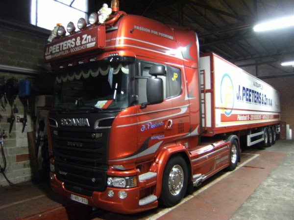 """SCANIA R580  SERIE LIMITEE  """"RED PASSION"""""""