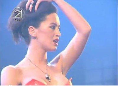 Dafina Zeqiri ne Busta Rhymes Koncert 26.04.2011