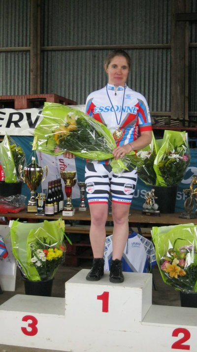 LAETITIA BESNARD Championne de l'Essonne Féminime - belle reprise
