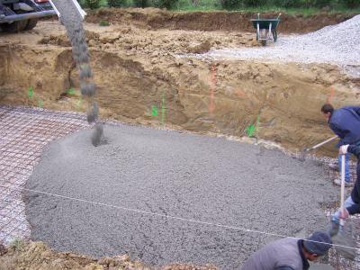 Coulage du radier la construction de ma piscine tape par tape for Construction piscine 972