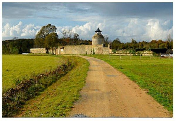 L'abbaye Notre-Dame de la Chaume machecoul (Wikipedia)