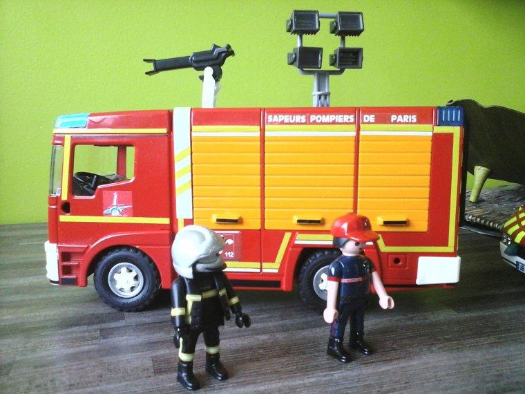 camion de pompier playmobil passion. Black Bedroom Furniture Sets. Home Design Ideas