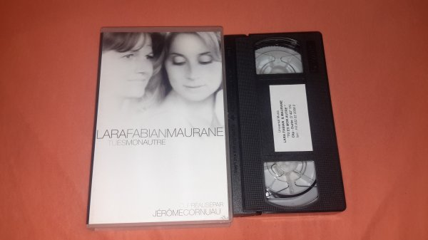 "K7 vid�o clip Lara Fabian /Maurane  ""Tu es mon autre"""