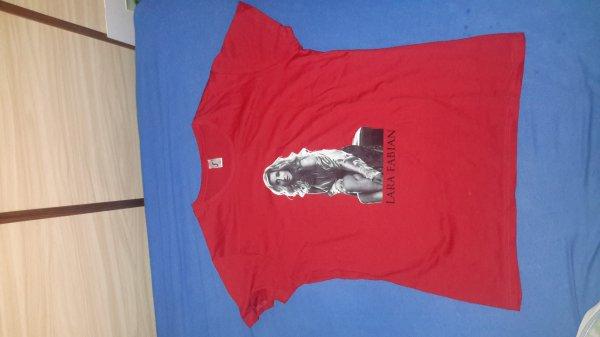 """t - shirt rouge  tournée """"Ma vie dans la tienne """""""