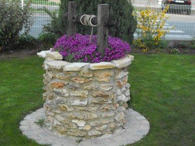 Puit d coratif blog de jolejardinier for Puits decoratif jardin