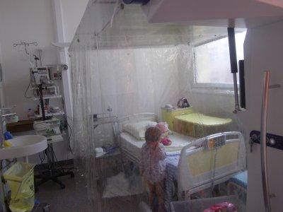Entrer en flux chambre sterile la greffe de moelle osseuse de blandine - Chambre sterile pour leucemie ...