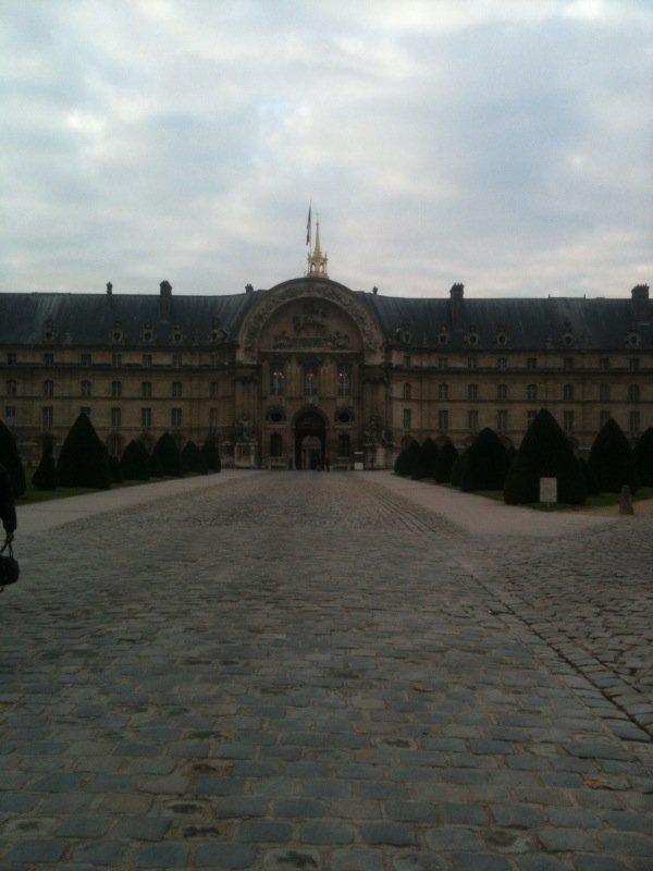 Je vais vous fair partager quelque photo que j'ai prisse au invalide a Paris , si vous aite de passage , je vous le consiellle , c'est manifique .