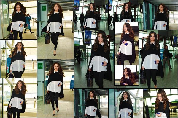 11.03.16 ─ Selena a �t� aper�ue arrivant � l'a�roport � Heathrow � de Londres afin de se rendre �  Los Angeles. [/s#00000ize]C'est donc � l'a�roport LAX que Gomez a ensuite �t� photographi�e. Apr�s les journ�es charg�es qu'elle a eues, place au repos pour la jeune artiste ![/alig fen]