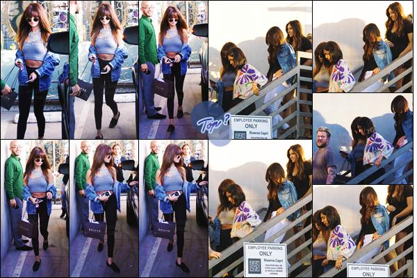 13.07.16 - Selena a �t� aper�ue quittant �  Nine Zero One � un salon de beaut� se trouvant � West Hollywood. [/s#00000ize]Et une fois sortie, la Gomez a fr�l� un accident en fon�ant dans une barri�re au volant de sa voiture. Mais, rassurez-vous, plus de peur que de mal !  [/alig fen]