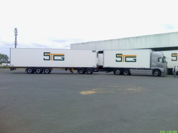 porteur semi remorque stg camion 56600. Black Bedroom Furniture Sets. Home Design Ideas