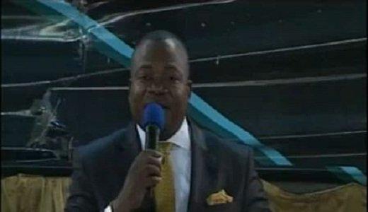 Past kankienza dit non à la politique dans les églises