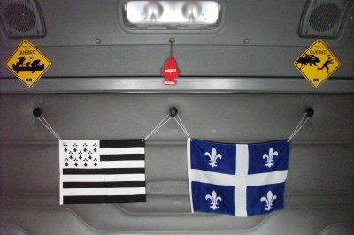La d coration int rieur de mon camion the interior of my truck blog de les routes du monde - Decoration interieur camion ...