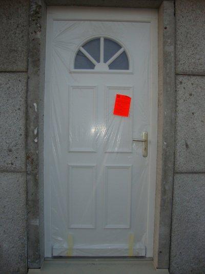 Porte d 39 entr e maison phenix for Porte d entree maison