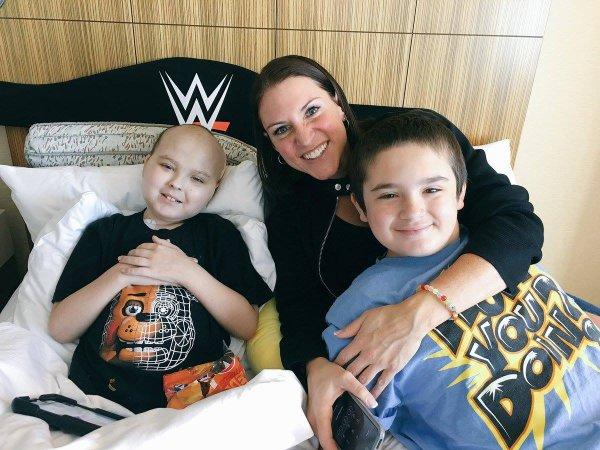 Visite de Stephanie Avec The Official Drax Shadow et sa famille