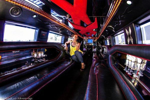 Interieur hummer h2 limousine pour location mariage a la for Interieur hummer