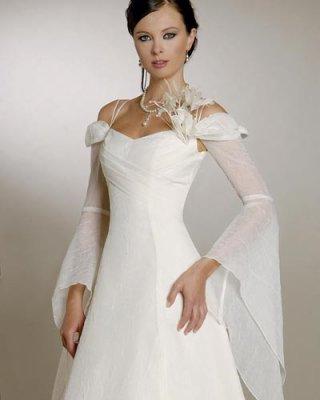 Coiffure mariage medieval for Jolie robe pour un mariage