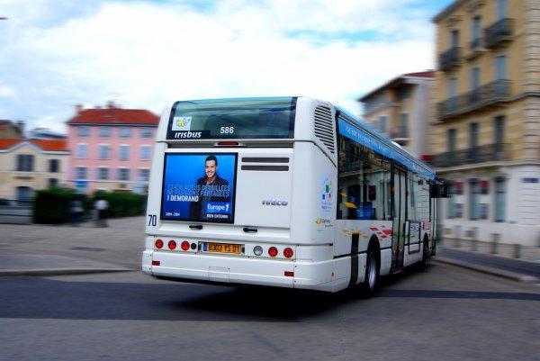Irisbus Citelis avec un petit effet de vitesse