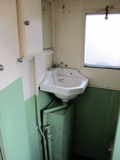 Blog de caravanexpo page 169 caravane ancienne de - Cabinet de toilette avec eau courante ...