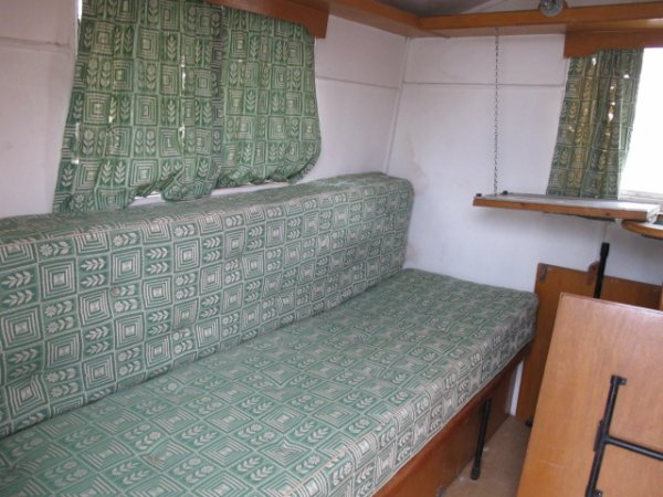 thomson almond 1954 caravane ancienne de collection henon notin. Black Bedroom Furniture Sets. Home Design Ideas