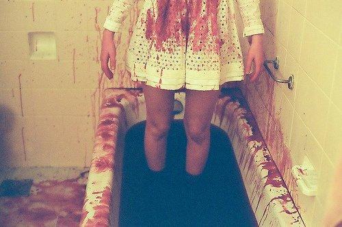 On ne se suicide pas parce que la vie est absurde, ou parce qu'on est abandonné. Ces raisons-là viennent après.♥∞