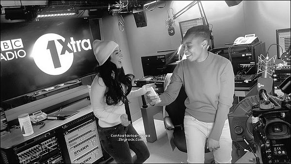 18.11.16  - T' allant de nouveau au studio BBC Radio One à Londres, pour co-animer.