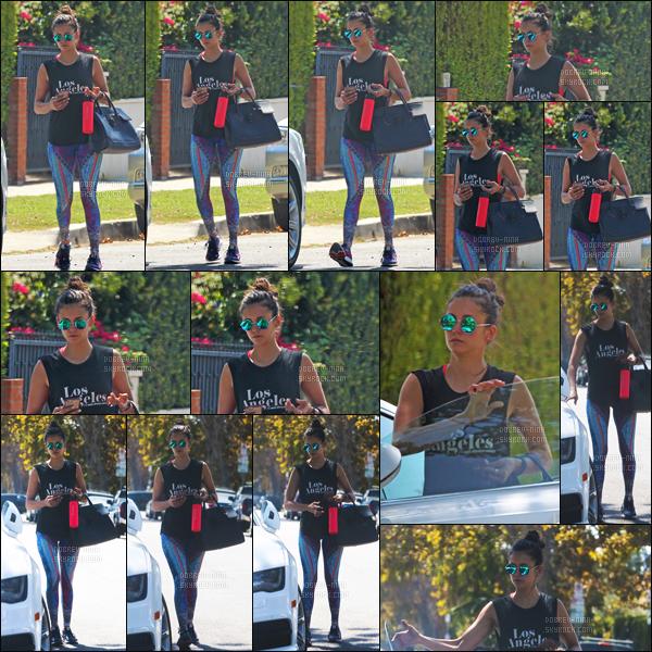 21/09/16 : Nina Dobrev -cach�e derni�re ses lunettes- a �t� aper�ue quittant la salle de gym � Los Angeles. Sa tenue pour aller au sport est tr�s bien, j'aime bien les motif qu'il y a sur son legging. Je suis toujours aussi fan de son sac � main.TOP // FLOP?