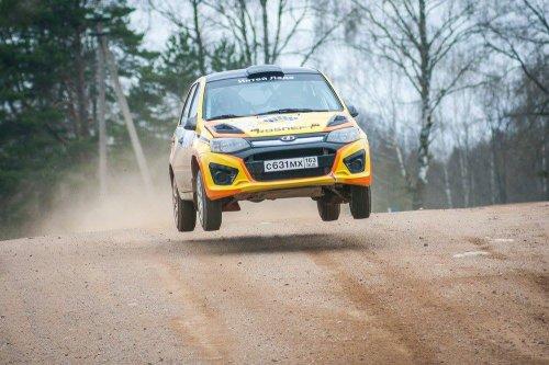 """Rallye """"Belye Nochi 2016"""" : premi�re journ�e en t�te pour LADA Sport Rosneft !!!"""