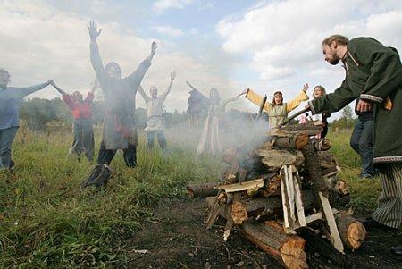 Le paganisme moderne : un retour aux cultes antiques aux multiples facettes