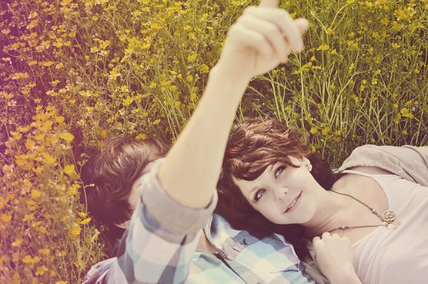 J'ai juste besoin de savoir qu'il y a des choses qui durent. Des trucs comme l'amitié, comme le goût le chocolat, les chansons des Beatles, les saisons qui défilent. Et puis j'aimerais aussi croire que nous, on va durer.