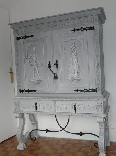 meuble renaissance espagnol blog de latelierdesylvie. Black Bedroom Furniture Sets. Home Design Ideas
