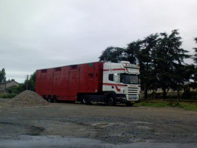 Des photos plus anciennes, des camions relativement simples à l'époque.