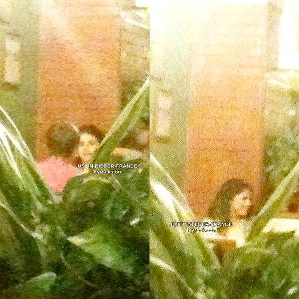 .  22.04 - Justin se rend en Indonésie avec Selena Gomez. .