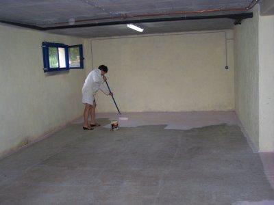 Op ration garage lessivage puis peinture au sol adieu la poussi re maison en bois for Peinture de sol pour garage