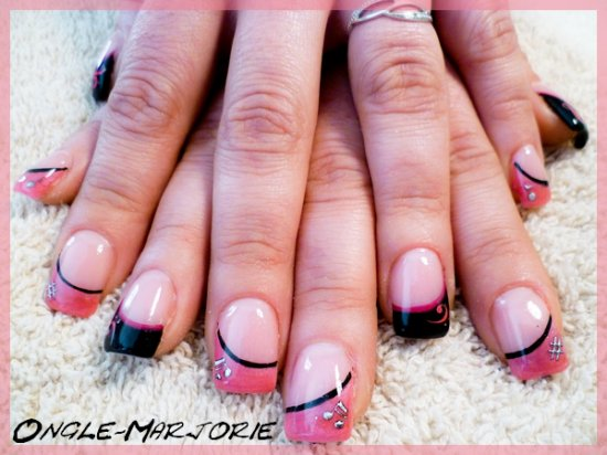 Ongles en gel *Black And Pink\u0026quot;
