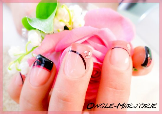 Ongles en gel *Black And Pink""