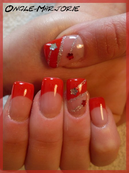 Ongles en gel *Red, Silvery Glitter and Flowers Strass*