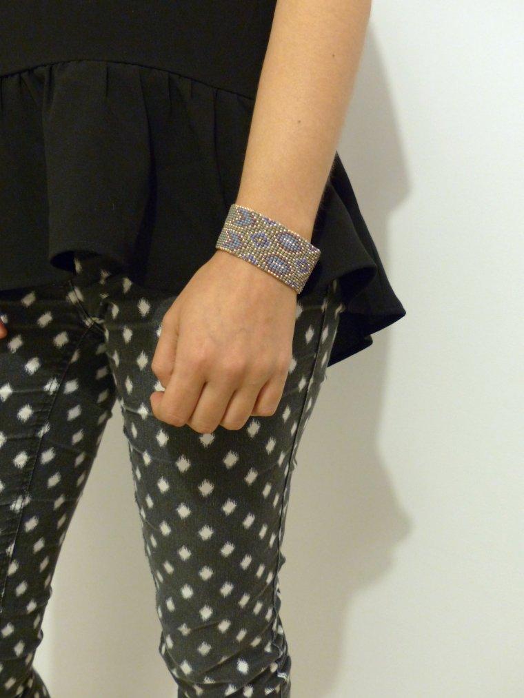 bracelet perles tiss es blog de pauline et amelie. Black Bedroom Furniture Sets. Home Design Ideas