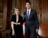 . 28/09 : Emma �tait au One Young World, un sommet annuel pour les jeunes leaders de demain. Elle a �t� accueilli par Justin Trudeau, le premier ministre du Canada, avec qui elle a parl� de l'importance de l'�galit� entre les sexes !  .
