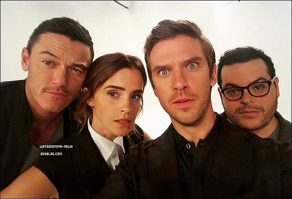 . Voici la première bande-annonce (en VO) du prochain film d'Emma Watson, La Belle et la Bête ! Je suis impatiente de voir ce film ! Je suis sûre qu'il sera magnifique visuellement et je suis pressée d'entendre Emma chanter dedans !  .