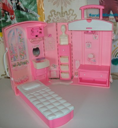 la maison de barbie valise blog de barbieetcie. Black Bedroom Furniture Sets. Home Design Ideas