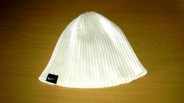 bonnet nike blanc