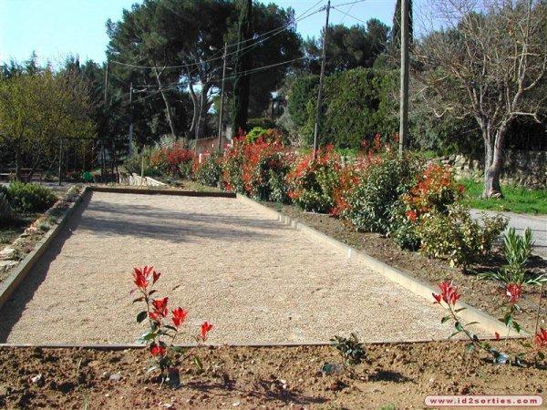Comment construire ton terrain de petanque petanque - Construire un terrain de petanque ...
