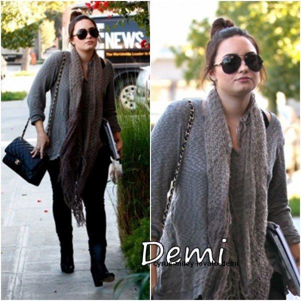 Le 8 janvier , Demi ses rendus a un studio d'enregistrement � Los Angeles .