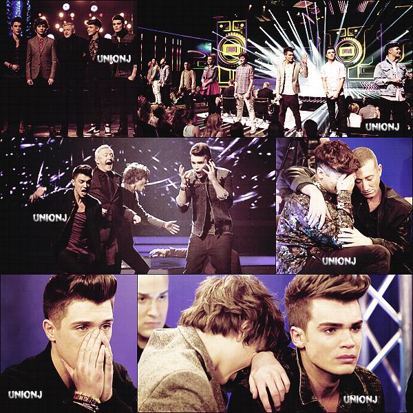 "17/11/2012: Lors du prime n°7, les garçons ont interprétés ""Call Me Maybe"" de Carly Rae Jepsen:"