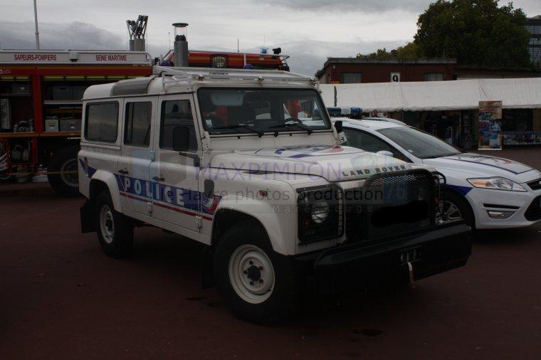 land rover d fender police nationale rouen 76 j 39 ai pas choisi d 39 tre normand j 39 ai eu juste