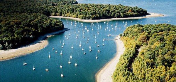 Lac de l 39 eau d 39 heure belgique la voile une vrai for Meubles de l eau d heure
